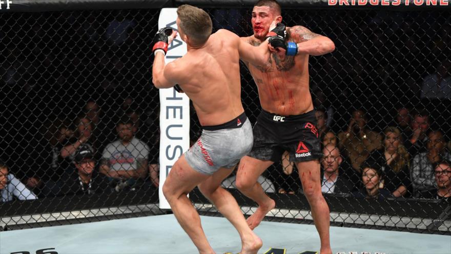 Poderoso puñetazo de Superman acaba con famoso luchador de MMA | HISPANTV
