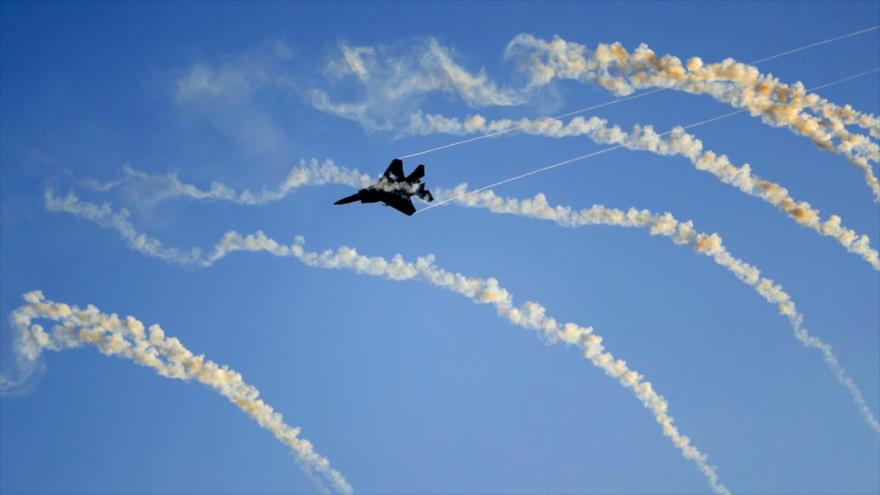 Un caza F-15 de la fuerza aérea israelí durante maniobras militares.