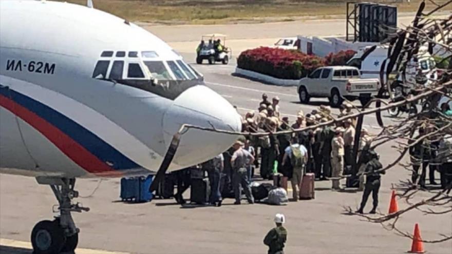 Fuerzas militares de Rusia llegan al Aeropuerto Internacional Simón Bolívar de Venezuela, 23 de marzo de 2019.