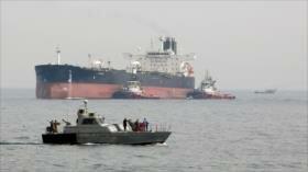 Irán ofrece ayuda a un petrolero extranjero en el Golfo Pérsico