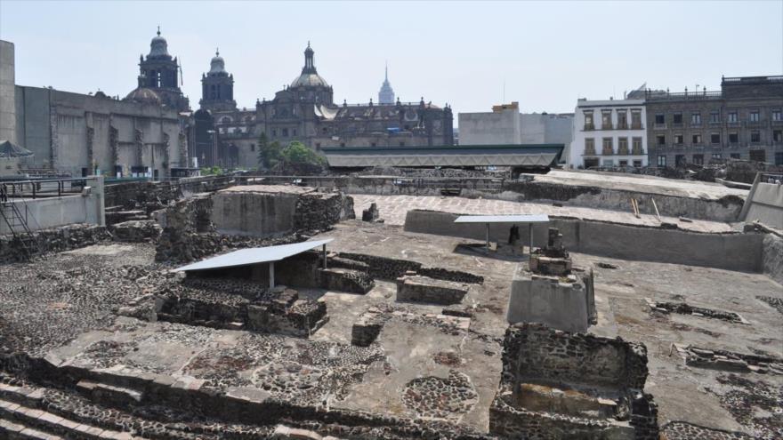 Arqueólogos en México descubren ofrenda para un emperador | HISPANTV