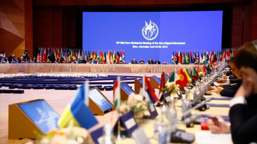 Una sesión del Movimiento de Países No Alineados (MPNA o MNOAL) en Bakú, capital de Azerbaiyán, 3 de abril de 2018.