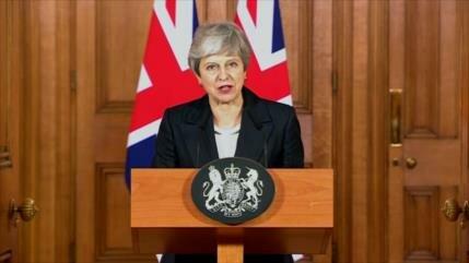 Theresa May dimitirá si se aprueba el acuerdo del Brexit