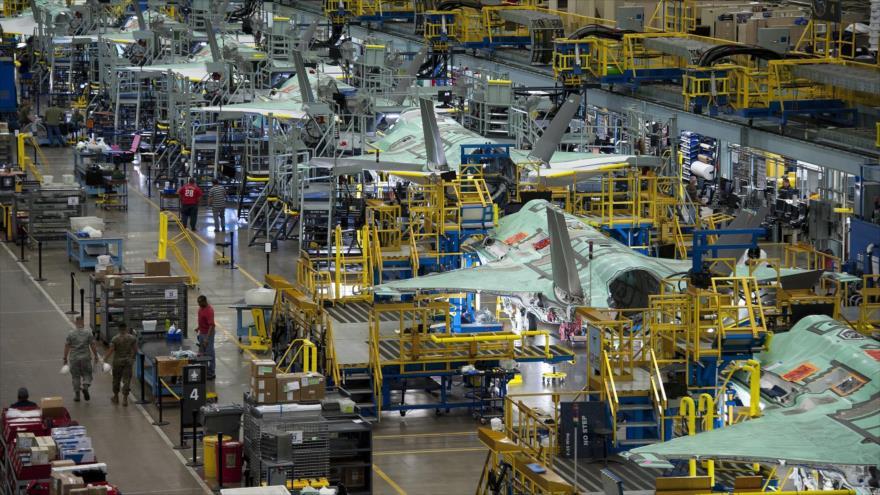 Una de las líneas de producción del cazabombardero Lockheed Martin F-35 Lightning II.