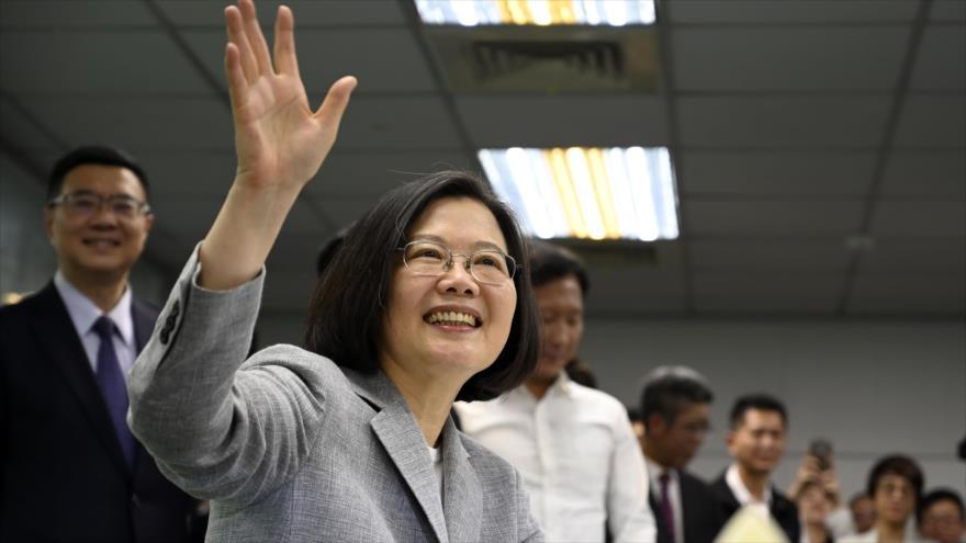 La presidenta de Taiwán, Tsai Ing-wen, se registra en Taipéi como candidato presidencial para las elecciones 2020, 21 de marzo de 2019. (Foto: AFP)