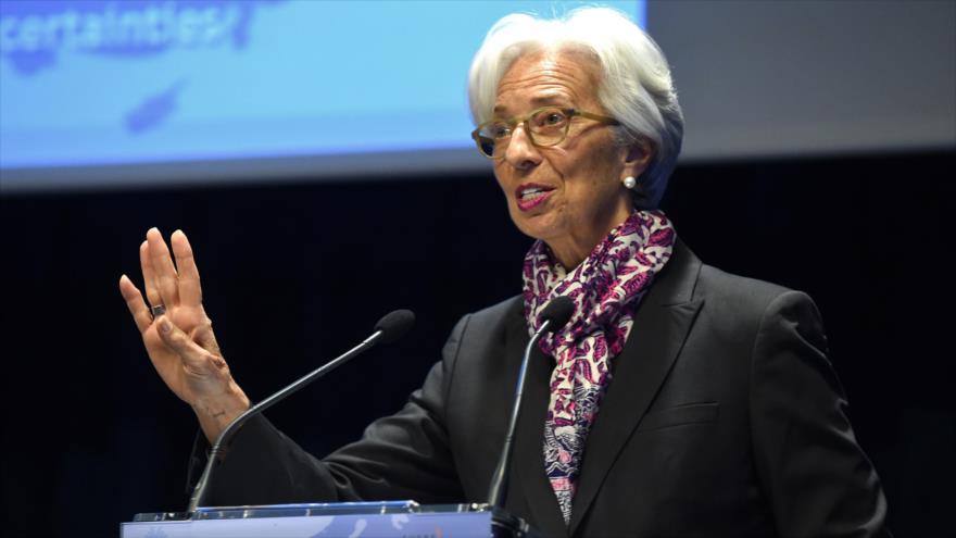 La directora gerente del FMI, Christine Lagarde, habla en el Banco de Francia en París (capital), 28 de marzo de 2019. (Foto: AFP)