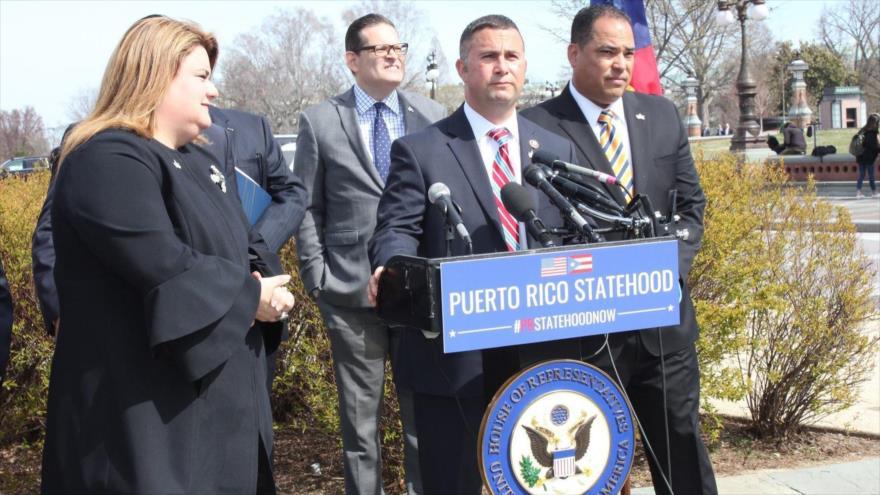 Legisladores Darren Soto y Jenniffer González presentan un proyecto de ley para que Puerto Rico sea el 51.º estado de EE.UU., 28 de marzo de 2019.