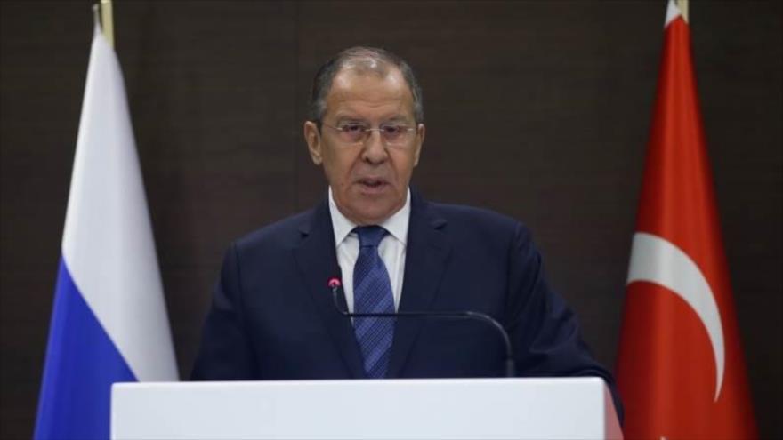 El ministro de Exteriores ruso, Serguéi Lavrov, habla en una rueda de prensa en la ciudad turca de Antalia, 29 de marzo de 2019.