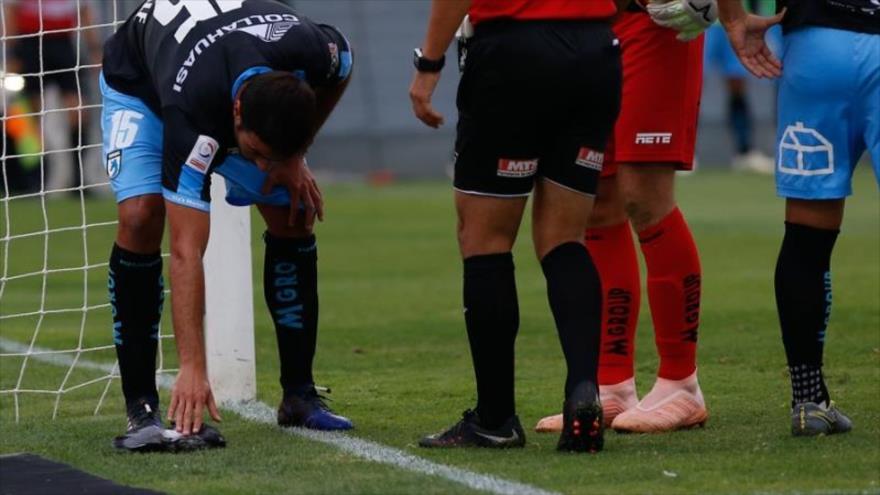 Vídeo: Pelotazo de futbolista chileno acaba con vida de una paloma