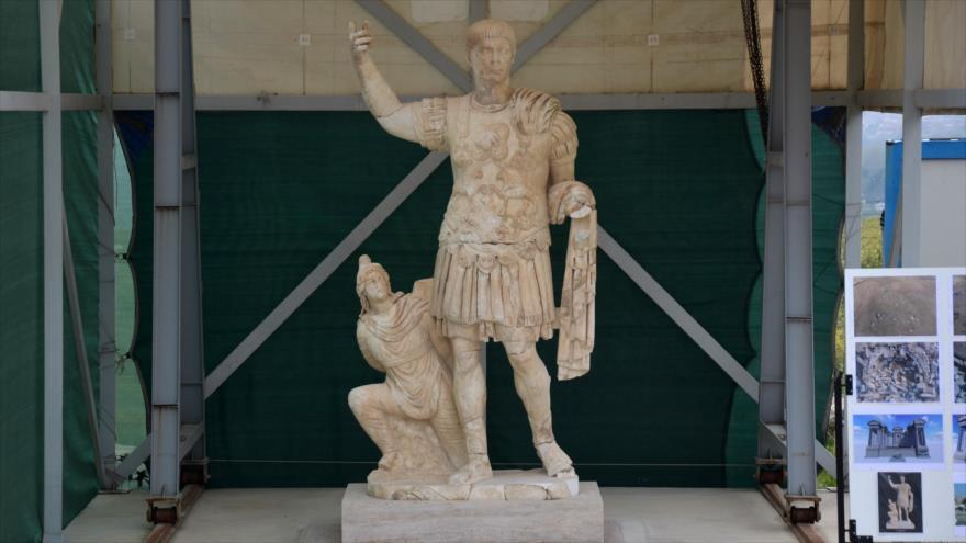 Hallan en Turquía estatua de emperador romano de hace 1900 años | HISPANTV