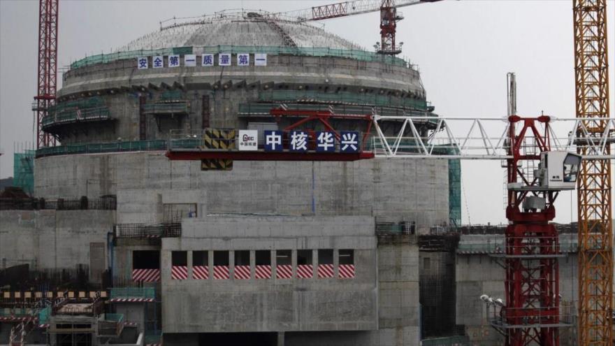 Un reactor nuclear bajo la construcción en Taishan, en la provincia china de Guangdong (sureste), 17 de octubre de 2013. (Foto: Reuters)