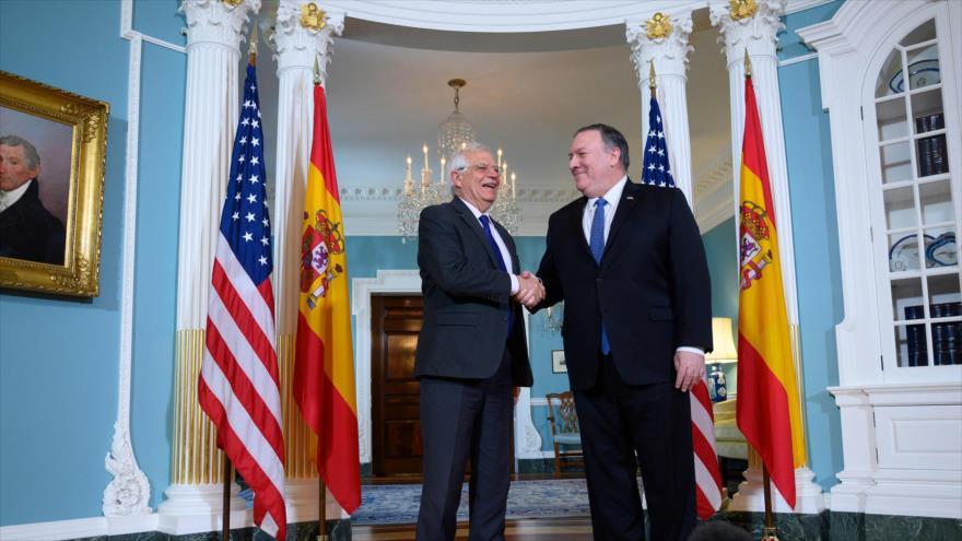 El canciller de España, Josep Borrell (izda.), y el secretario de Estado de EE.UU., Mike Pompeo, tras una reunión en Washington, 1 de abril de 2019. (Foto: AFP)