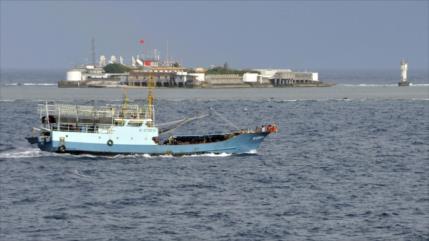 Filipinas protesta por embarcaciones chinas en isla en disputa