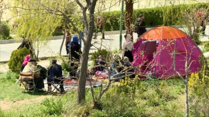 """Los iraníes festejan el """"Día de la Naturaleza"""""""