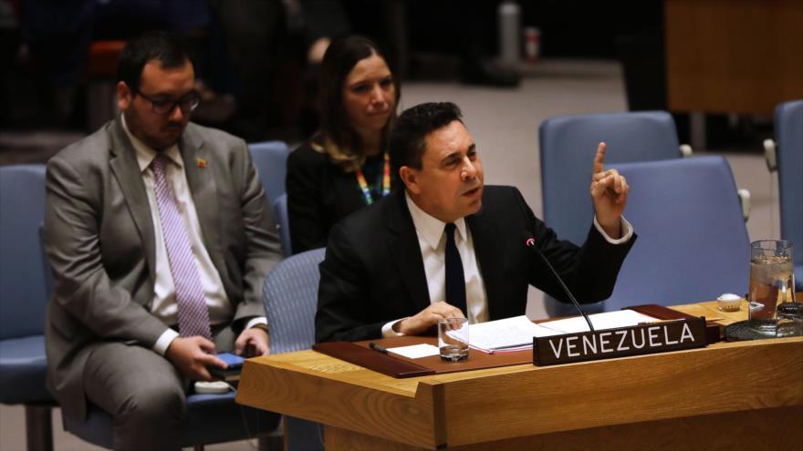 El representante de Venezuela ante la ONU, Samuel Moncada, en una sesión de esta organización en Nueva York, 28 de febrero de 2019 (Foto: AFP).