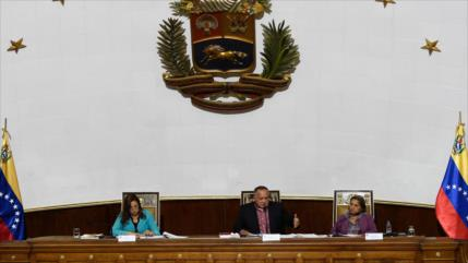 Constituyente de Venezuela aprueba despojar inmunidad de Guaidó
