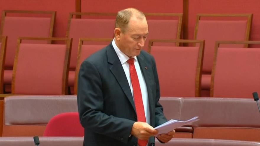 Australia censura a senador racista por expresiones islamófobas