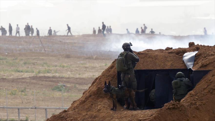 Fuerzas israelíes en una posición cerca de la Franja de Gaza, 30 de marzo de 2019. (Foto: AFP)