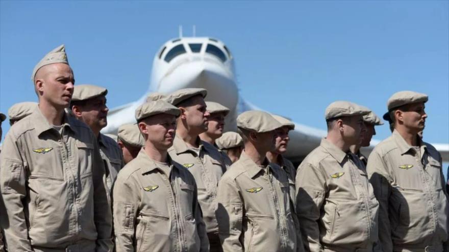 Caracas no descarta la llegada al país de más militares rusos   HISPANTV