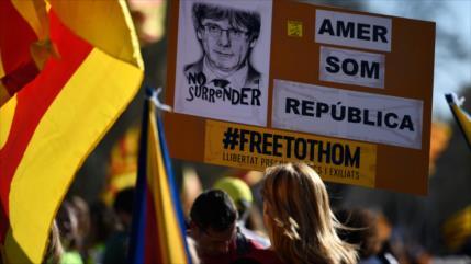 TC español anula ley catalana para investir a Puigdemont