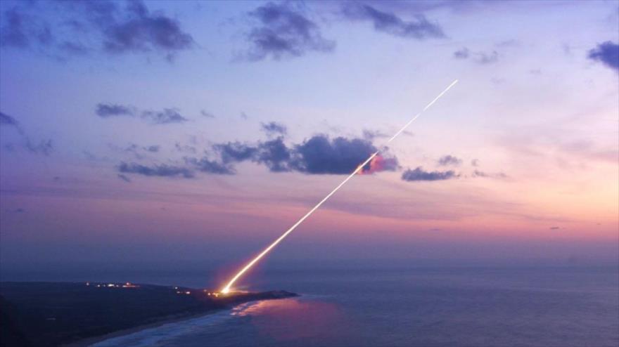 Prueba de un sistema de defensa antiaérea estadounidense.