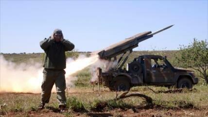 'Terroristas cargan 120 cohetes con sustancias químicas en Siria'