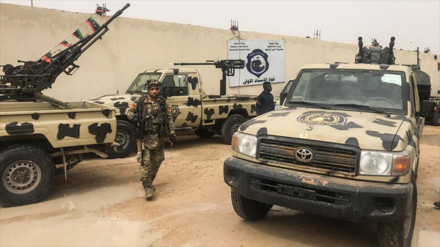 Tropas libias del este, lideradas por Haftar, se acercan a Trípoli