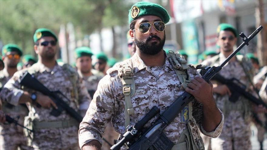 Los efectivos del Cuerpo de Guardianes de la Revolución Islámica (CGRI) de Irán durante un desfile militar.