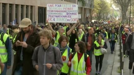 Chalecos amarillos se manifiestan en distintas zonas de París