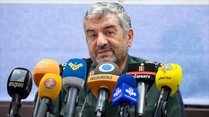 """Cuerpo de Guardianes de Irán advierte a EEUU contra """"estupideces"""""""