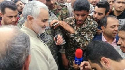 General Soleimani visita zonas inundadas y promete ayuda inmediata