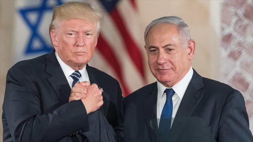 El presidente de EE.UU., Donald Trump (iza.), junto con el premier israelí, Benjamín Netanyahu, 23 de mayo de 2017.