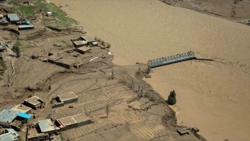 Una vista general de la ciudad inundada de Pol-e Dokhtar, en la provincia iraní de Lorestán, 2 de abril de 2019. (Foto: AFP)