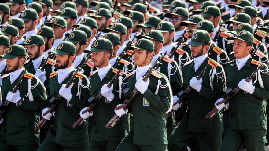 Soldados del Cuerpo de Guardianes de la Revolución Islámica (CGRI) de Irán en un desfile.