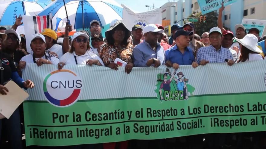 Trabajadores dominicanos marchan para defender sus derechos