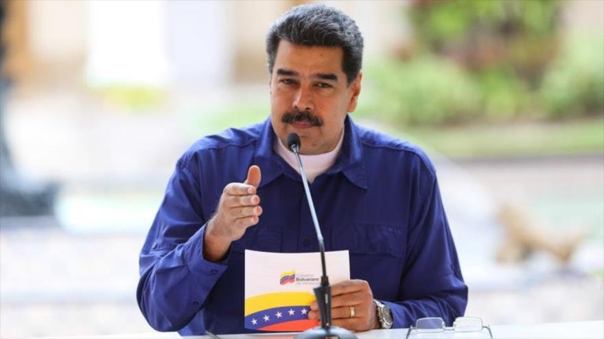 """Maduro repudia discurso """"apestoso"""" de Pence a favor de Guaidó"""