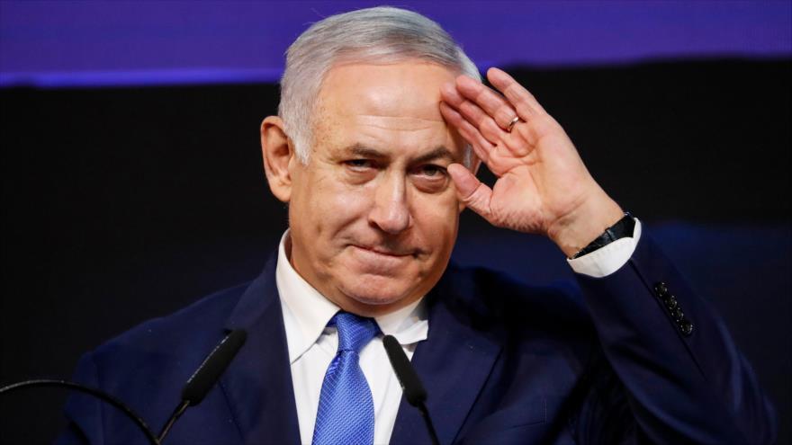 El primer ministro israelí, Benjamín Netanyahu, se dirige a sus partidarios en la sede del partido Likud, Tel Aviv, 10 de abril de 2019. (Foto: AFP)