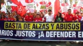 Chilenos exigen mejores empleos y fin de cobros excesivos