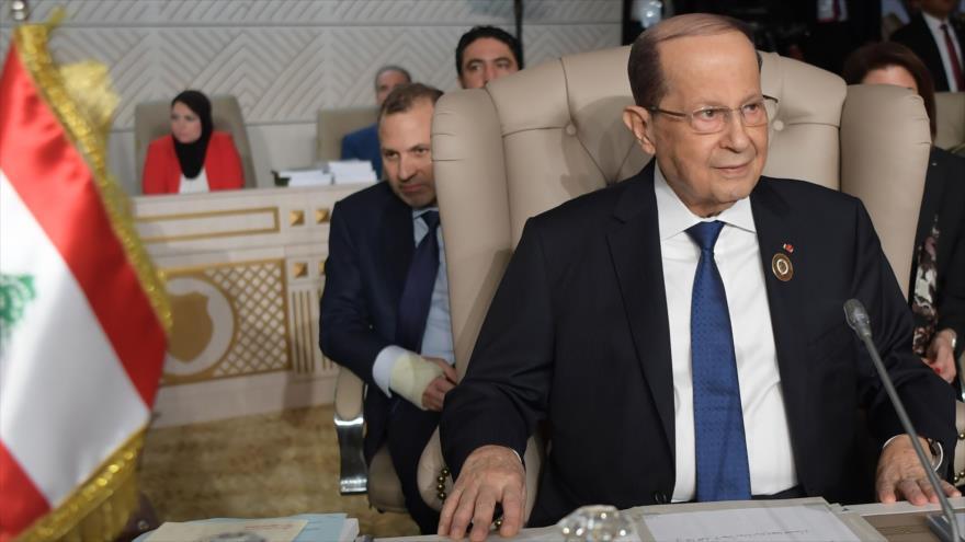El presidente libanés, Michel Aoun, atiende a la cumbre de la Liga Árabe en Túnez, 30 de marzo de 2019. (Foto: AFP)