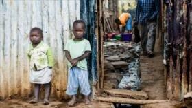 Estudio: Crecer en la pobreza modifica el ADN humano