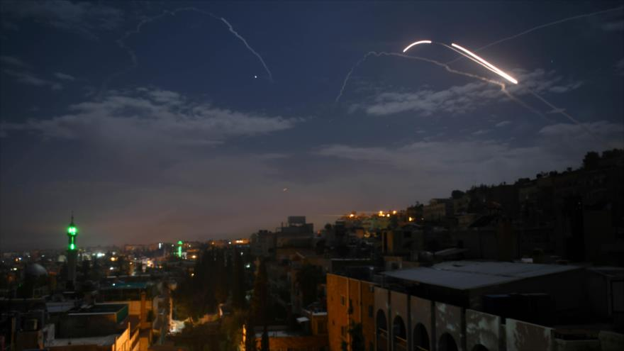 Vídeo: Defensa antiaérea de Siria intercepta misiles israelíes