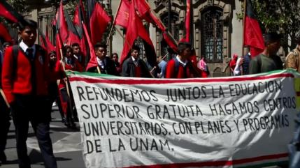 Mexicanos marchan para exigir una reforma educativa popular