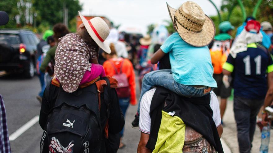 Una caravana de migrantes provenientes de Centroamérica camina hacia EE.UU., México, 12 de abril de 2019. (Foto: AFP)