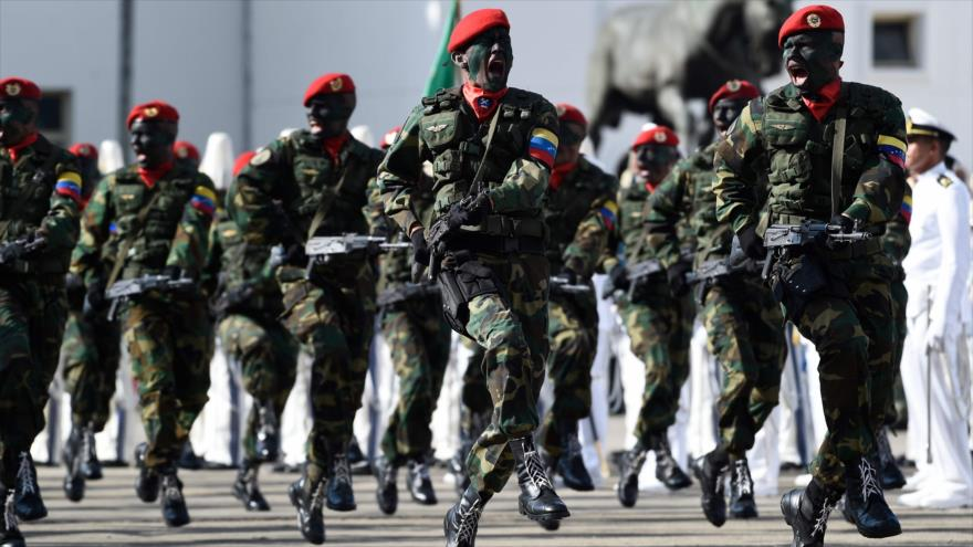 Miembros de la Fuerza Armada Nacional Bolivariana (FANB) en el Complejo Militar Fuerte Tiuna, en Caracas, capital, 10 de enero de 2019. (Foto: AFP)