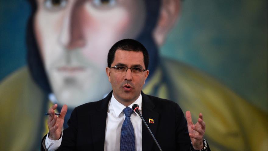 El canciller de Venezuela, Jorge Arreaza, habla en una rueda de prensa en Caracas, capital de Venezuela, 8 de abril de 2019. (Foto: AFP)