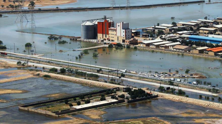 Vista general de una zona en la provincia iraní de Juzestán (suroeste), afectada por inundaciones, 15 de abril de 2019. (Foto: IRNA).