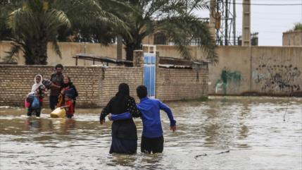 'EEUU impide llegada de ayudas a afectados iraníes de riadas'