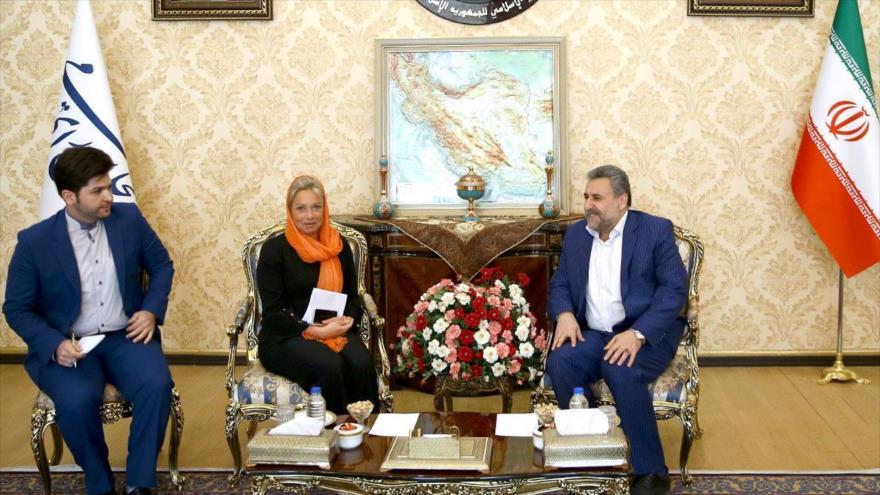 Representante especial de la ONU para Irak, Jeanine Hennis-Plasschaert, y el legislador iraní, Heshmatolá Falahat Pishe (dcha.), 16 de abril de 2019.