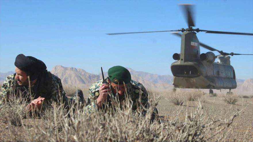 Fuerzas del Ejército iraní en ejercicios militares en la provincia de Isfahán, 28 de enero de 2019. (Foto: AFP)