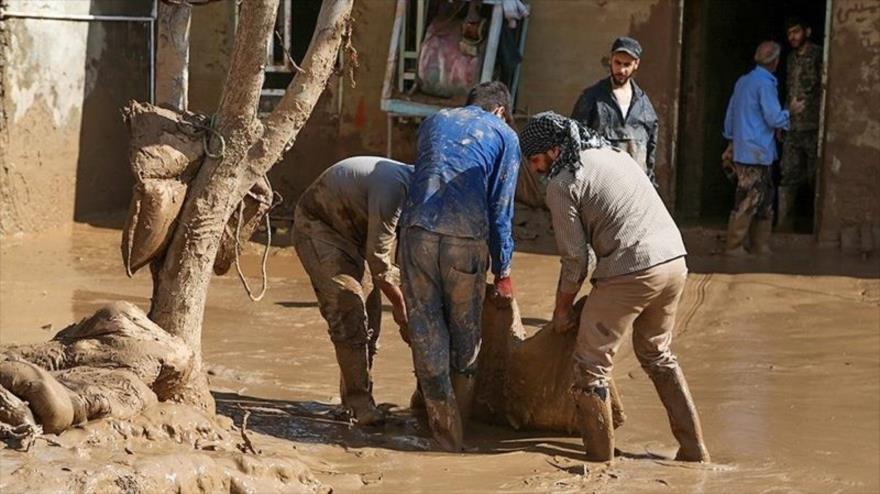 Vídeo: Lado amable de las inundaciones en Irán